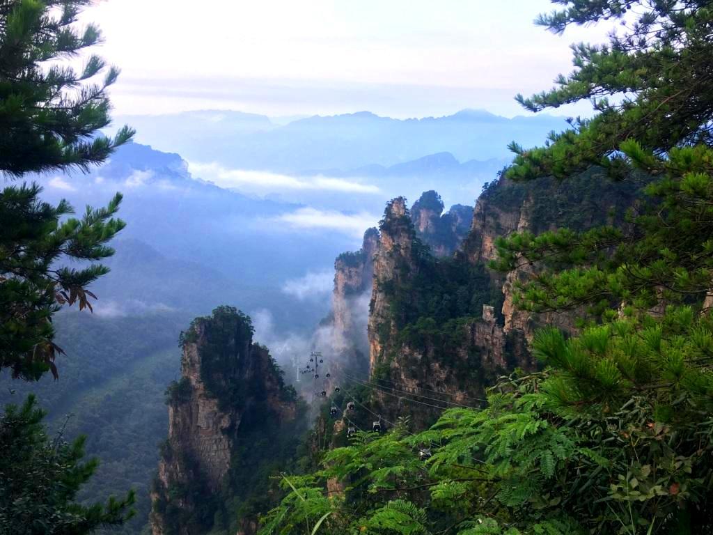 Zhangjiajie National Forest Park - Tianzi Mountain